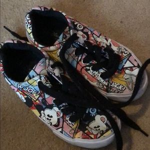 MICKEY MOUSE SHOES KIDS SIZE 2/3
